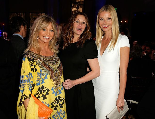 Goldie Hawn, Julia Roberts and Gwyneth Paltrow attend the 3rd annual Sean Penn & Friends HELP HAITI HOME Gala benefiting J/P HRO presented by Giorgio Armani at Montage Beverly Hills on January 11, 2014 in Beverly Hills, California. - Getty Images / Joe Scarnici