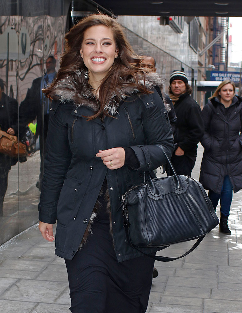 Ashley-Graham-Givenchy-Antigona