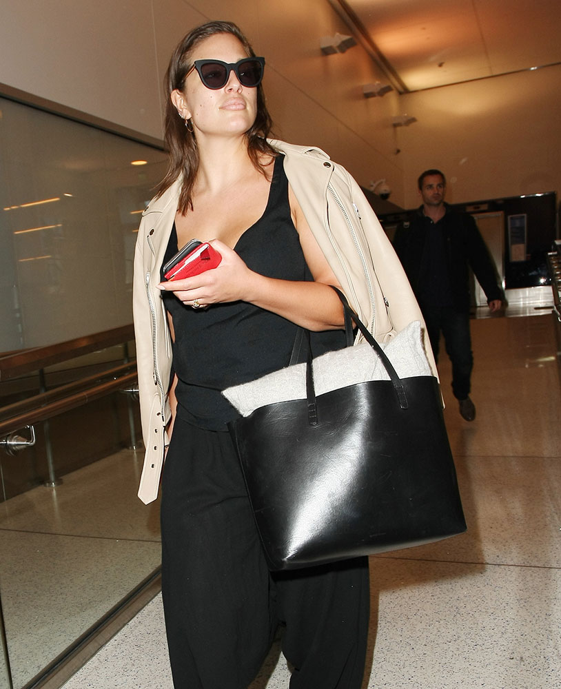 Ashley-Graham-Mansur-Gavriel-Tote