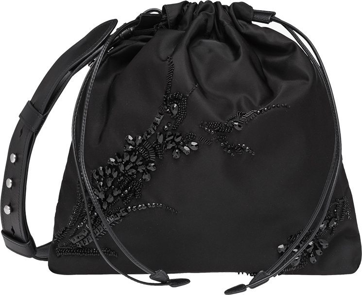 prada-embroideries-bag-2
