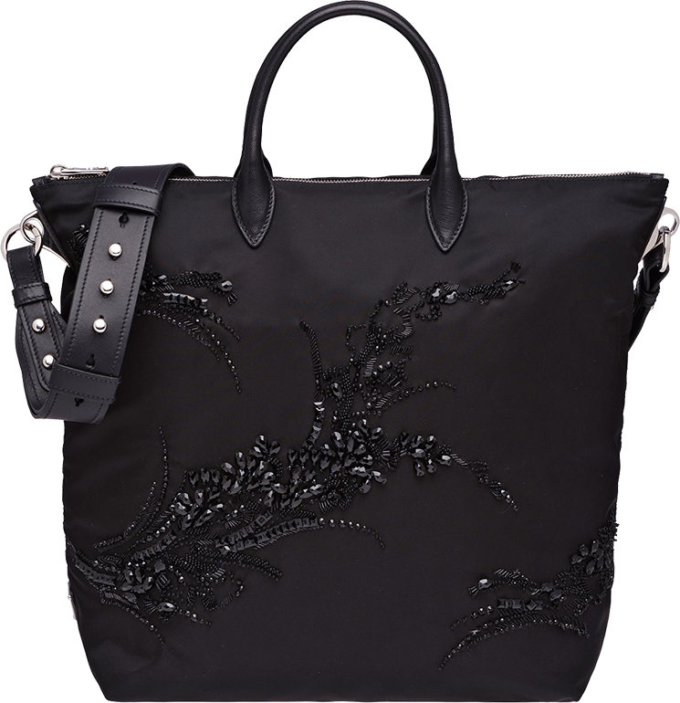 prada-embroideries-bag-3