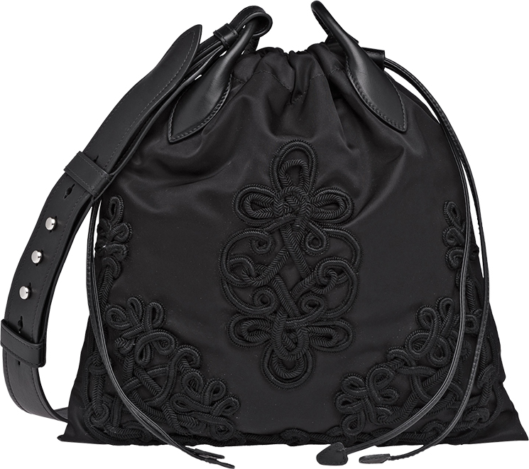 prada-embroideries-bag-4